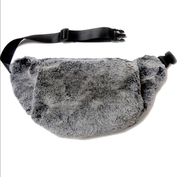 44d5df027623 Faux Fur Hand Warmer Fanny Pack